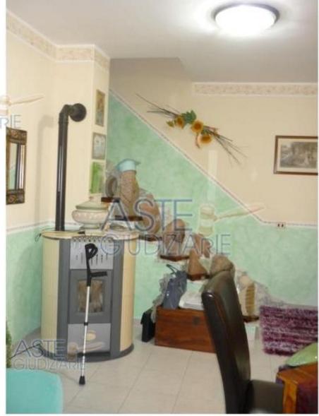 Casa in vendita 148 a sant 39 antioco asta per villino via for Arredamento per agenzia immobiliare