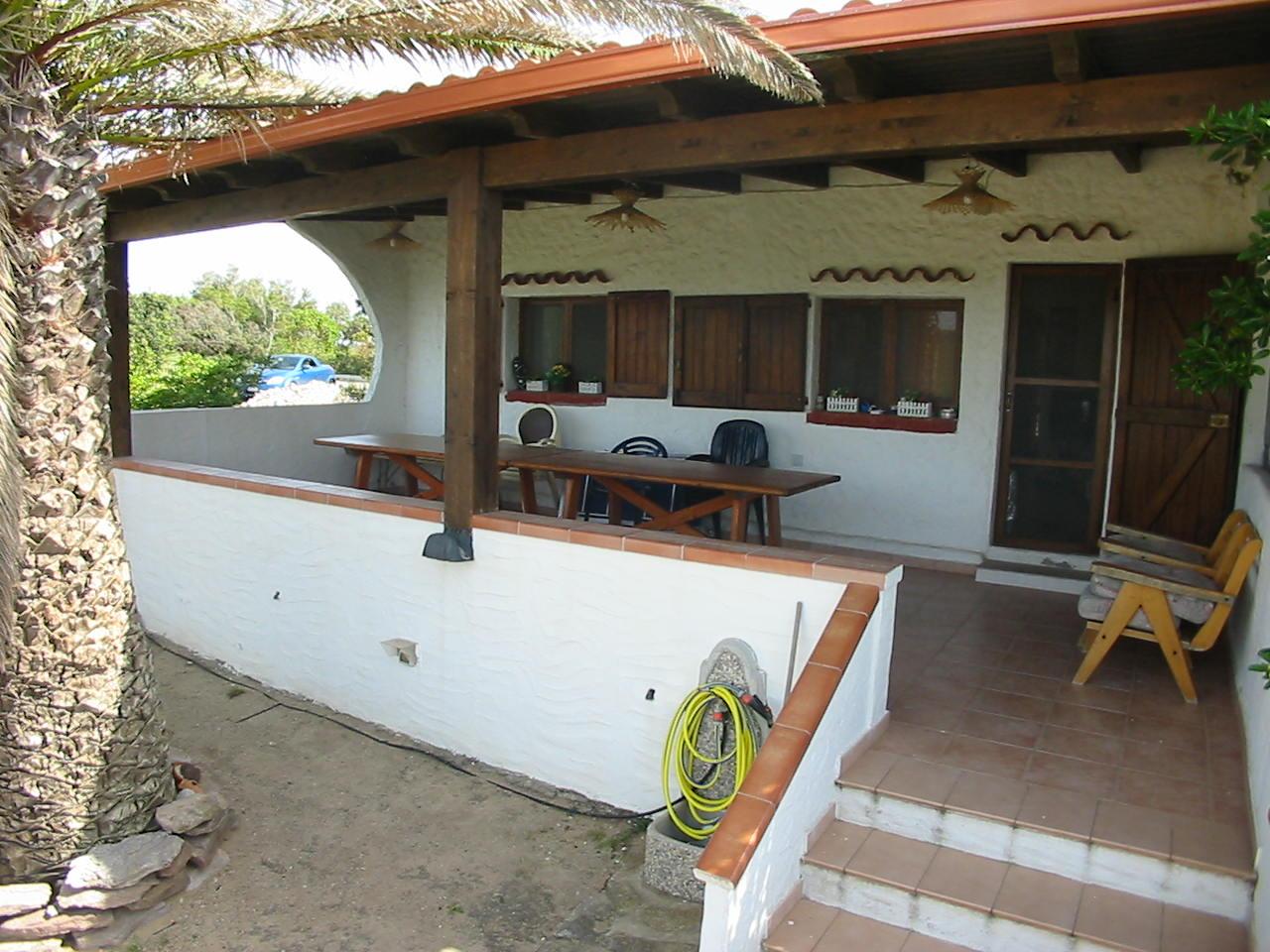 Casa in vendita 157 a sant 39 antioco calasapone spiaggia for Arredamento agenzia immobiliare