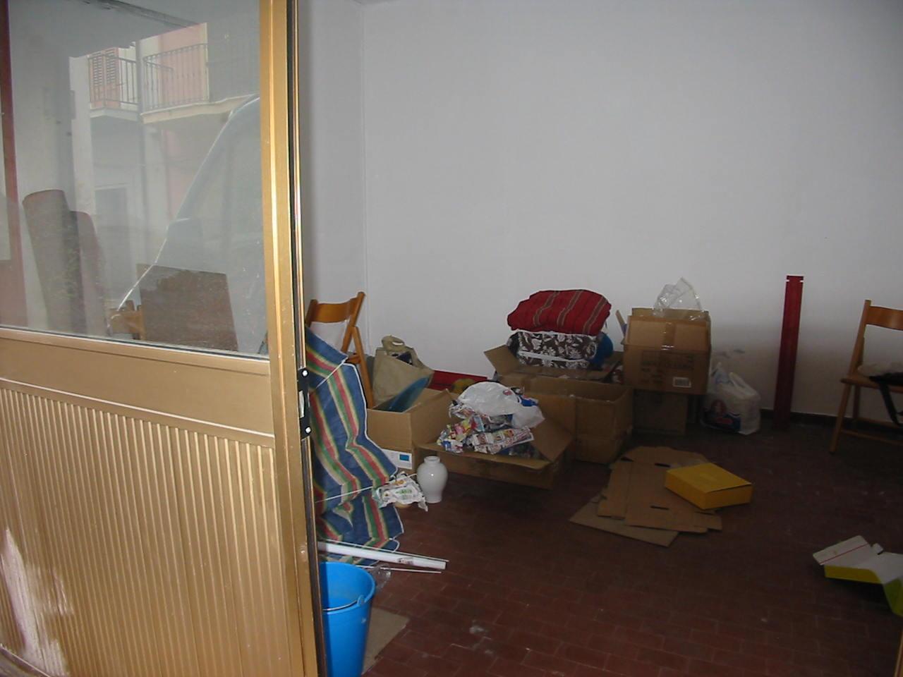 Casa in vendita 165 a sant 39 antioco magazzino via for Arredamento magazzino