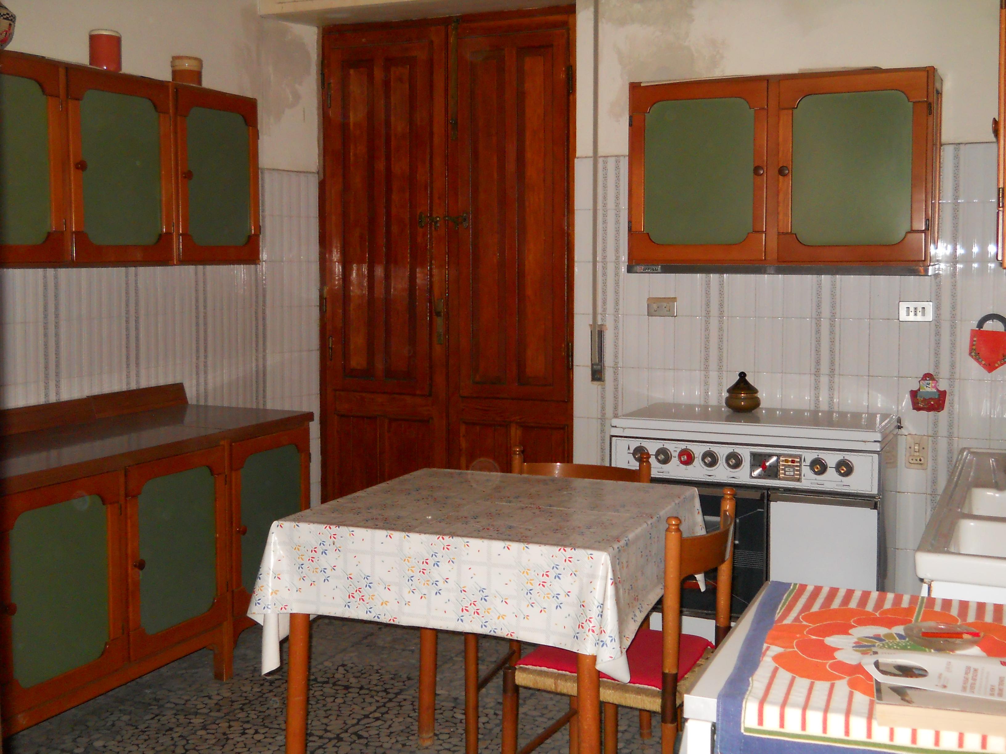 Casa in vendita 43 a carbonia carbonia flumentepido for Arredamento agenzia immobiliare