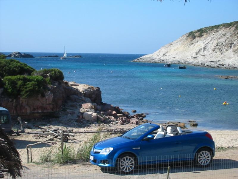 Casa vacanza 71 a sant 39 antioco calasapone spiaggia for Arredamento agenzia immobiliare